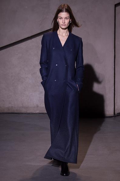 Double Breasted「Each X Other : Runway - Paris Fashion Week Womenswear Fall/Winter 2015/2016」:写真・画像(14)[壁紙.com]