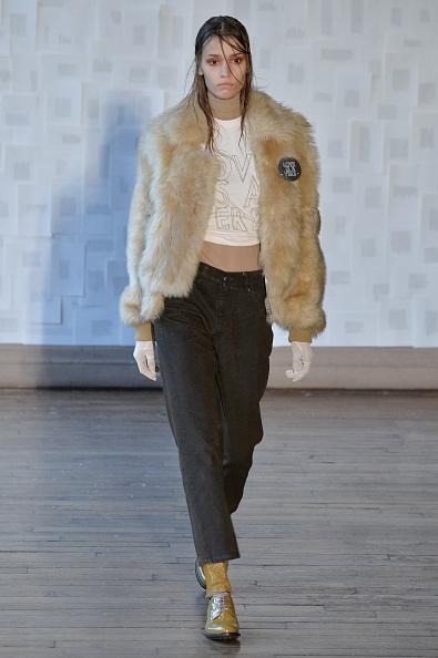 Shirt「Each X Other : Runway - Paris Fashion Week Womenswear Fall/Winter 2016/2017」:写真・画像(11)[壁紙.com]
