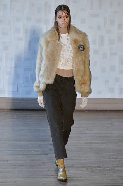 Each X Other : Runway - Paris Fashion Week Womenswear Fall/Winter 2016/2017:ニュース(壁紙.com)
