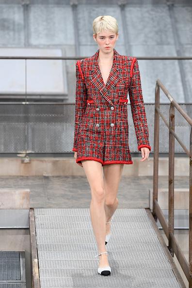 Womenswear「Chanel : Runway - Paris Fashion Week - Womenswear Spring Summer 2020」:写真・画像(10)[壁紙.com]