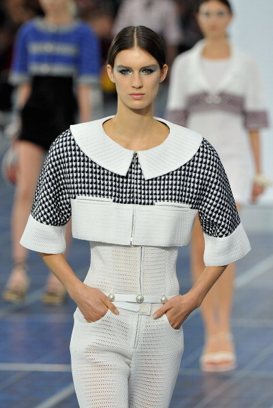 Collar「Chanel: Runway - Paris Fashion Week Womenswear Spring / Summer 2013」:写真・画像(18)[壁紙.com]