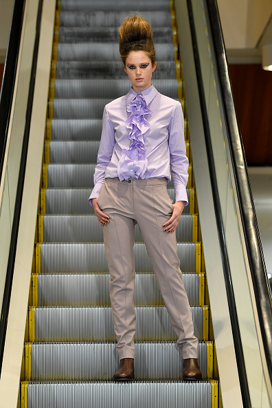 Ruffled Shirt「Zambesi - Runway - New Zealand Fashion Week 2019」:写真・画像(3)[壁紙.com]