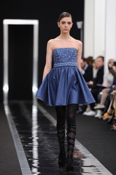 Strapless Dress「Maxime Simoens - Runway - PFW F/W 2013」:写真・画像(16)[壁紙.com]