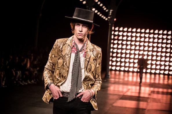 Francois Durand「Saint Laurent : Runway - Paris Fashion Week - Menswear S/S 2015」:写真・画像(4)[壁紙.com]
