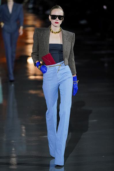 Womenswear「Saint Laurent : Runway - Paris Fashion Week - Womenswear Spring Summer 2022」:写真・画像(19)[壁紙.com]