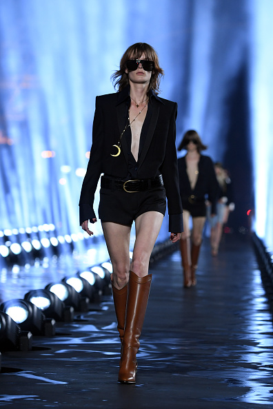 Spring Summer Collection「Saint Laurent : Runway - Paris Fashion Week - Womenswear Spring Summer 2020」:写真・画像(4)[壁紙.com]