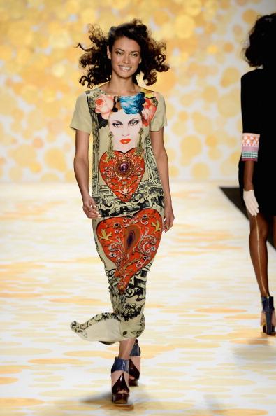 Frazer Harrison「Desigual - Runway - Mercedes-Benz Fashion Week Fall 2014」:写真・画像(9)[壁紙.com]