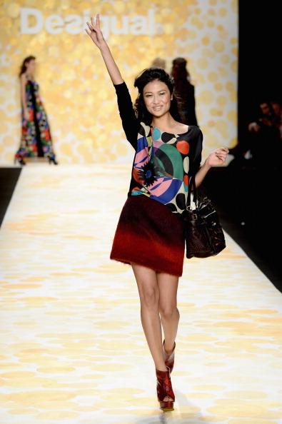 Frazer Harrison「Desigual - Runway - Mercedes-Benz Fashion Week Fall 2014」:写真・画像(8)[壁紙.com]