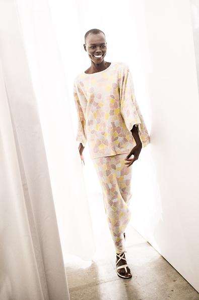 Francois Durand「Allude : Backstage - Paris Fashion Week Womenswear Spring/Summer 2015」:写真・画像(2)[壁紙.com]