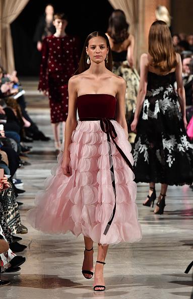 Pastel Colored「Oscar De La Renta - Runway - February 2018 - New York Fashion Week」:写真・画像(7)[壁紙.com]