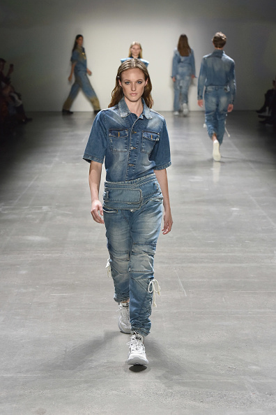 Shirt「John John Fashion Show @NYFW - Runway」:写真・画像(8)[壁紙.com]