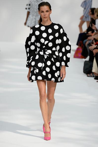 Hot Pink「Carolina Herrera - Runway - September 2019 - New York Fashion Week」:写真・画像(2)[壁紙.com]