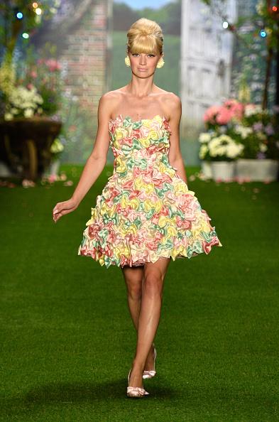 Bangs「Lena Hoschek Show - Mercedes-Benz Fashion Week Spring/Summer 2014」:写真・画像(10)[壁紙.com]
