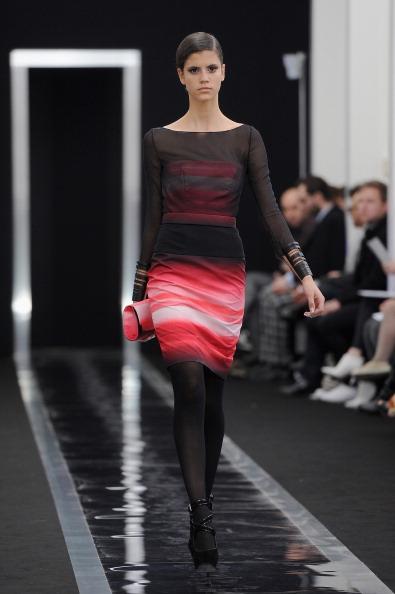 Form Fitted Dress「Maxime Simoens - Runway - PFW F/W 2013」:写真・画像(13)[壁紙.com]