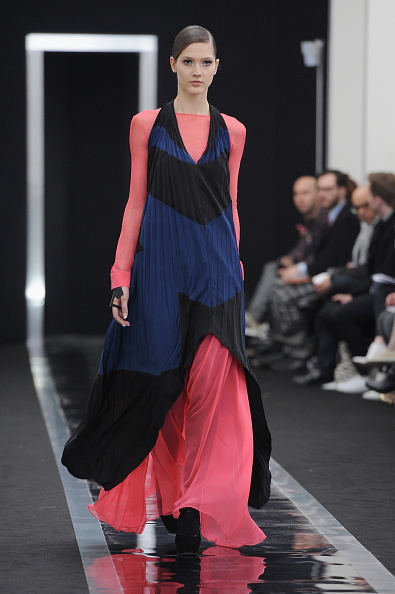 Evening Wear「Maxime Simoens - Runway - PFW F/W 2013」:写真・画像(13)[壁紙.com]