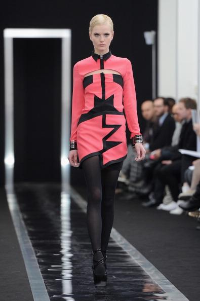 Two-Toned Dress「Maxime Simoens - Runway - PFW F/W 2013」:写真・画像(15)[壁紙.com]