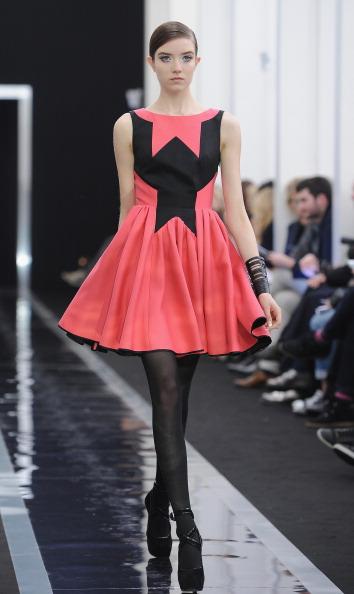 Two-Toned Dress「Maxime Simoens - Runway - PFW F/W 2013」:写真・画像(13)[壁紙.com]