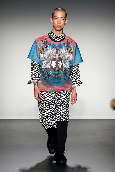 Chelsea Piers「Asia Fashion Collection Fall / Winter 2016  - Runway -  New York Fashion Week: The Shows」:写真・画像(15)[壁紙.com]