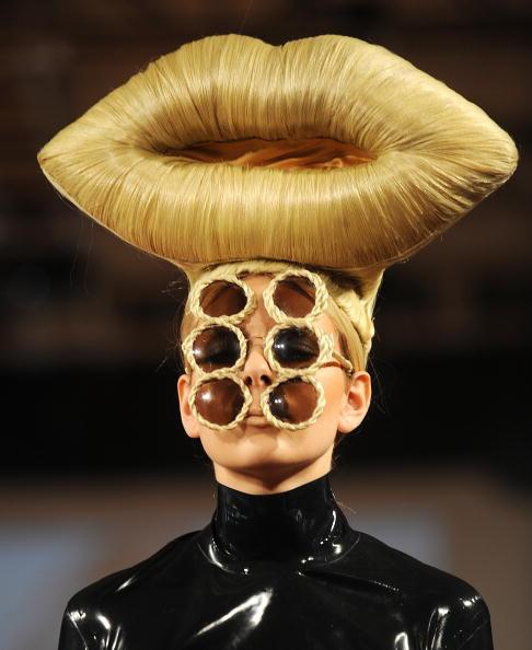 Bizarre「Blow Presents Runway: Spring/Summer 2010 - London Fashion Week」:写真・画像(9)[壁紙.com]