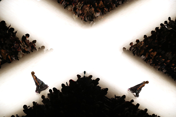 Australian Fashion Week「Raffles International Showcase - Runway - Mercedes-Benz Fashion Week Australia 2018」:写真・画像(9)[壁紙.com]