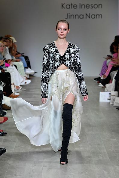 Maxi Skirt「FDS: The Innovators - Runway - Mercedes-Benz Fashion Week Australia 2019」:写真・画像(16)[壁紙.com]