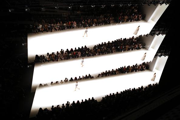 Multiple Exposure「Raffles International Showcase - Runway - Mercedes-Benz Fashion Week Australia 2018」:写真・画像(14)[壁紙.com]