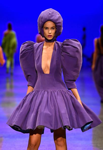 紫「Resene Designer - Runway - New Zealand Fashion Week 2018」:写真・画像(19)[壁紙.com]