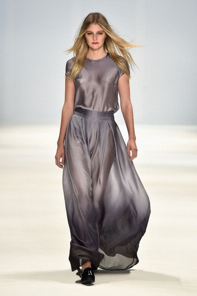 Long Hair「New Generation - Runway - Mercedes-Benz Fashion Week Australia 2014」:写真・画像(5)[壁紙.com]