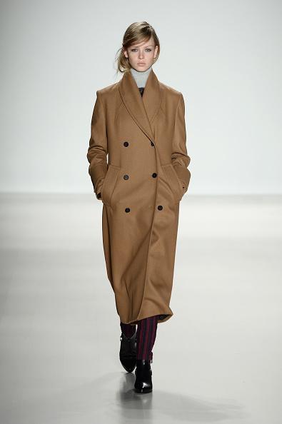 Double Breasted「Richard Chai - Runway - Mercedes-Benz Fashion Week Fall 2014」:写真・画像(19)[壁紙.com]