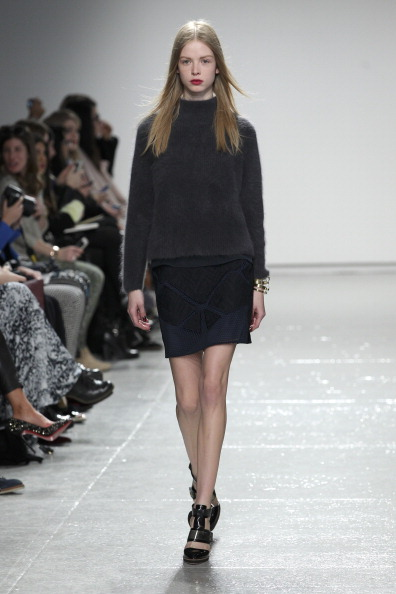 Gray Shirt「Rebecca Taylor - Runway - Mercedes-Benz Fashion Week Fall 2014」:写真・画像(7)[壁紙.com]