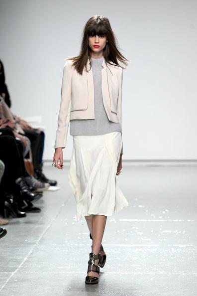 Gray Shirt「Rebecca Taylor - Runway - Mercedes-Benz Fashion Week Fall 2014」:写真・画像(9)[壁紙.com]