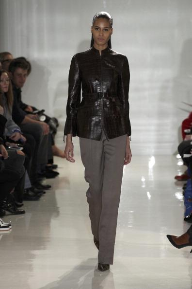 Leather Jacket「Ralph Rucci - Runway - Mercedes-Benz Fashion Week Fall 2014」:写真・画像(8)[壁紙.com]