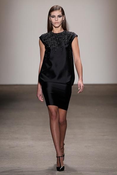 Cap Sleeve「Rolando Santana - Runway - Mercedes-Benz Fashion Week Fall 2014」:写真・画像(9)[壁紙.com]