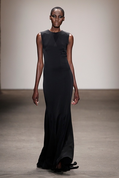 Black Color「Rolando Santana - Runway - Mercedes-Benz Fashion Week Fall 2014」:写真・画像(16)[壁紙.com]