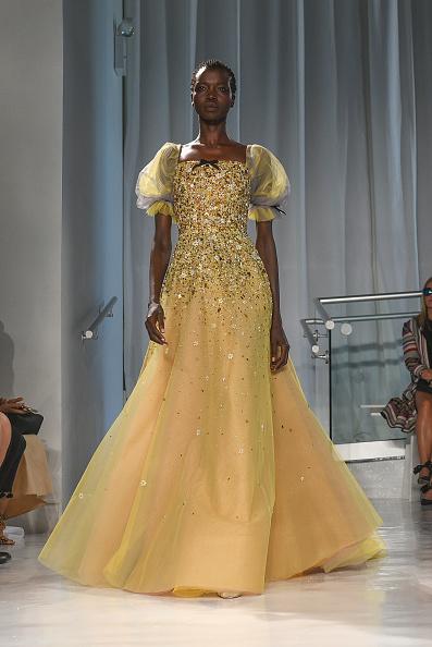 Yellow Dress「Reem Acra - Runway - September 2016 - New York Fashion Week」:写真・画像(16)[壁紙.com]