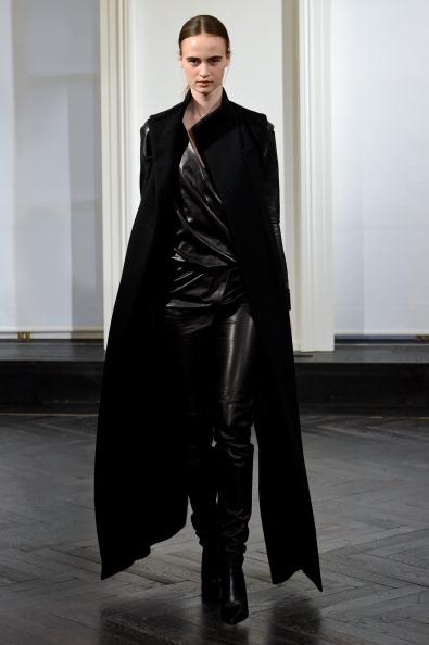 Black Pants「Amanda Wakeley: Presentation - London Fashion Week AW14」:写真・画像(17)[壁紙.com]
