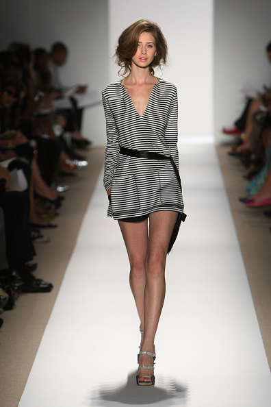Kristian Dowling「Mercedes-Benz  Fashion Week Spring 2010 Official Coverage - Best of Runway � Day 4」:写真・画像(10)[壁紙.com]