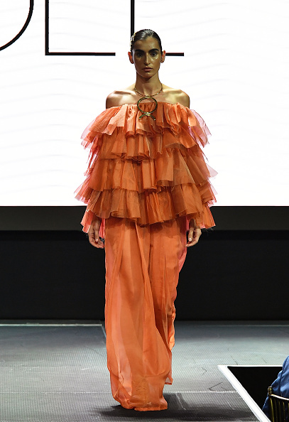 Ruffled Shirt「Harlem's Fashion Row - Runway - September 2018 - New York Fashion Week」:写真・画像(6)[壁紙.com]