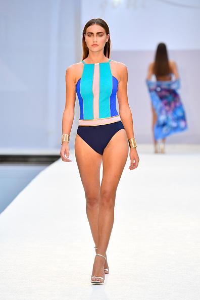 水着「SWIMMIAMI Gottex Cruise 2018 Fashion Show -  Runway」:写真・画像(14)[壁紙.com]