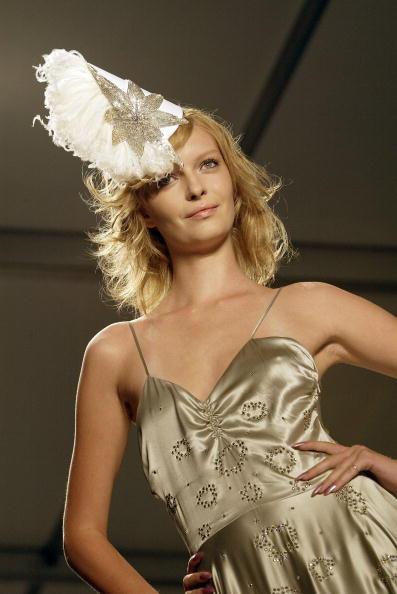 Extreme Close-Up「Jennifer Nicholson Spring 2005 - Runway」:写真・画像(1)[壁紙.com]