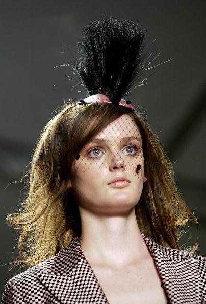 Extreme Close-Up「Jennifer Nicholson Spring 2005 - Runway」:写真・画像(8)[壁紙.com]