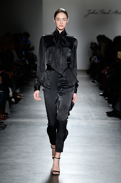 Bow Collar「John Paul Ataker - Runway - Fall/Winter 2016 New York Fashion Week」:写真・画像(10)[壁紙.com]