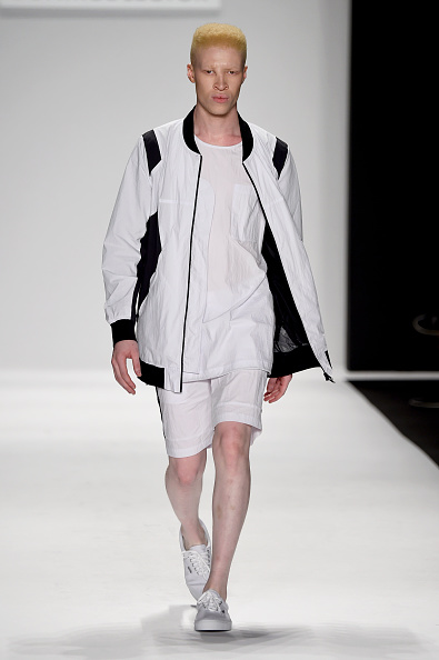 White Jacket「Art Hearts Fashion Presented By AIDS Healthcare Foundation - Runway - Mercedes-Benz Fashion Week Spring 2015」:写真・画像(7)[壁紙.com]