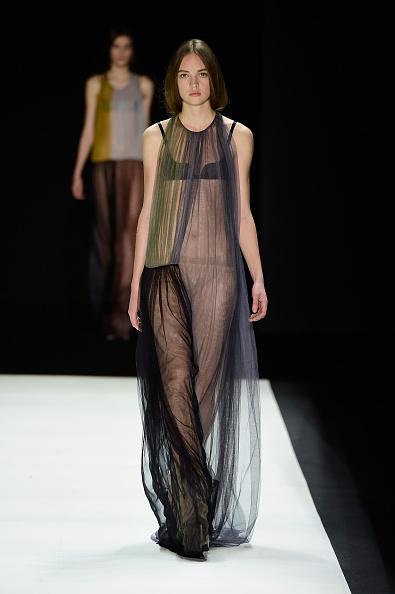 Halter Top「Vera Wang Collection - Runway - Fall 2016 New York Fashion Week: The Shows」:写真・画像(15)[壁紙.com]
