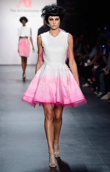 Flared Dress「The Art Institutes - Runway - Spring 2016 New York Fashion Week: The Shows」:写真・画像(0)[壁紙.com]