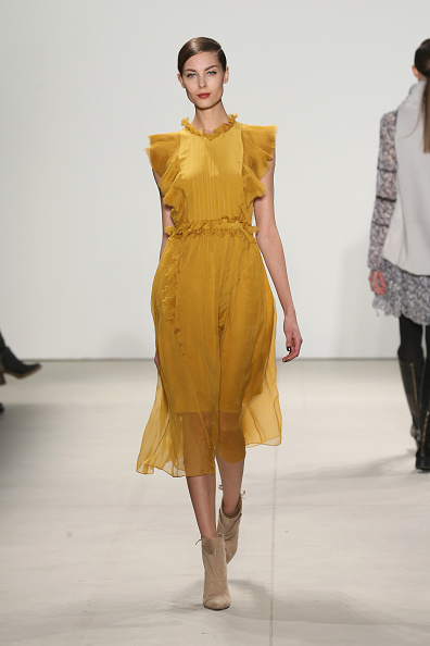 Yellow Dress「Marissa Webb - Runway - Fall 2016 New York Fashion Week: The Shows」:写真・画像(1)[壁紙.com]