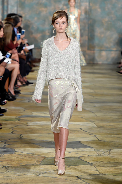 セーター「Tory Burch - Runway - Spring 2016 New York Fashion Week」:写真・画像(15)[壁紙.com]
