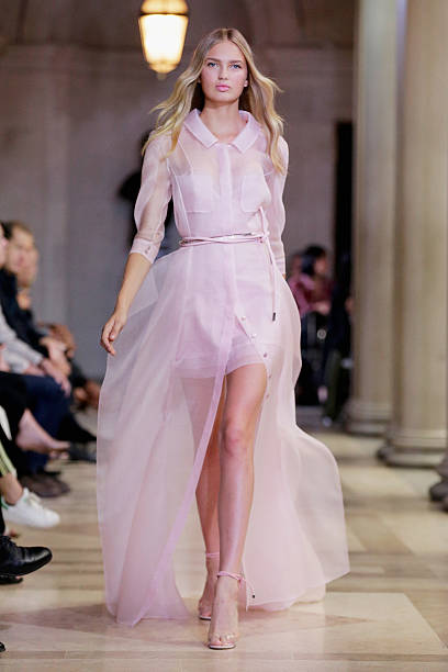 Carolina Herrera - Runway - Spring 2016 New York Fashion Week:ニュース(壁紙.com)