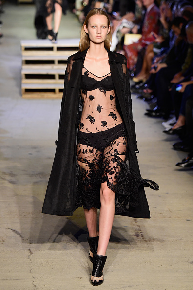 Panties「Givenchy - Runway - Spring 2016 New York Fashion Week」:写真・画像(2)[壁紙.com]