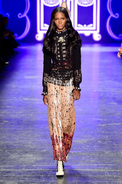Cream Colored「Anna Sui - Runway - Fall 2016 New York Fashion Week: The Shows」:写真・画像(1)[壁紙.com]